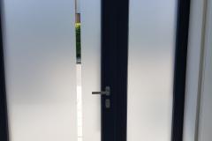 Polep dveří a křídla pískovou fólií - řezanou grafikou